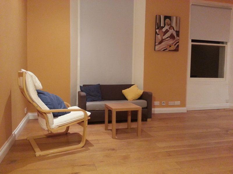 2 bedroom Terraced maisonette for rent