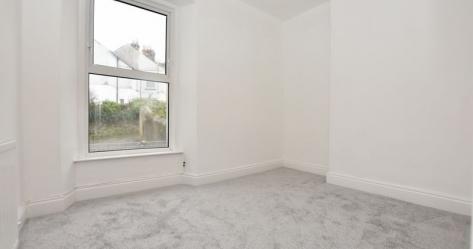 1 bedroom Upper Floor Flat flat for sale in Plymouth