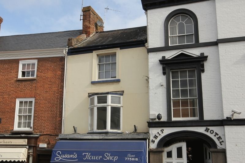 3 bedroom Terraced flat for rent in Crediton