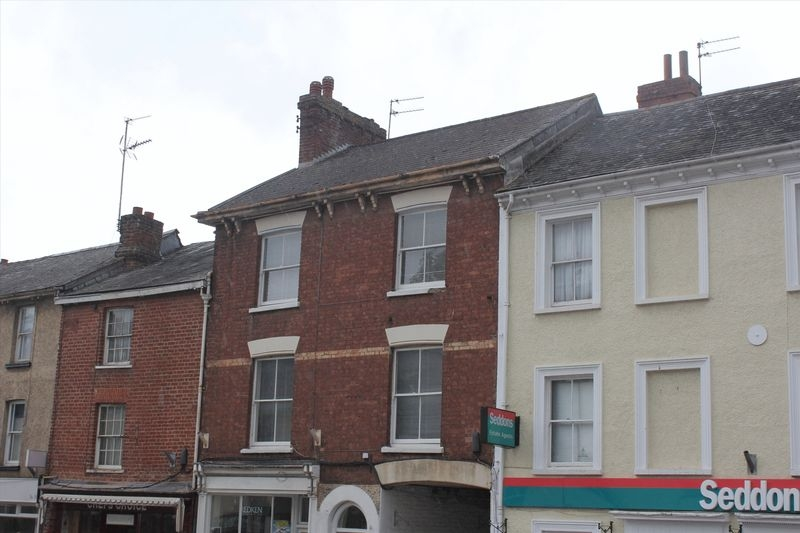 2 bedroom Upper Floor Flat flat for rent in Crediton