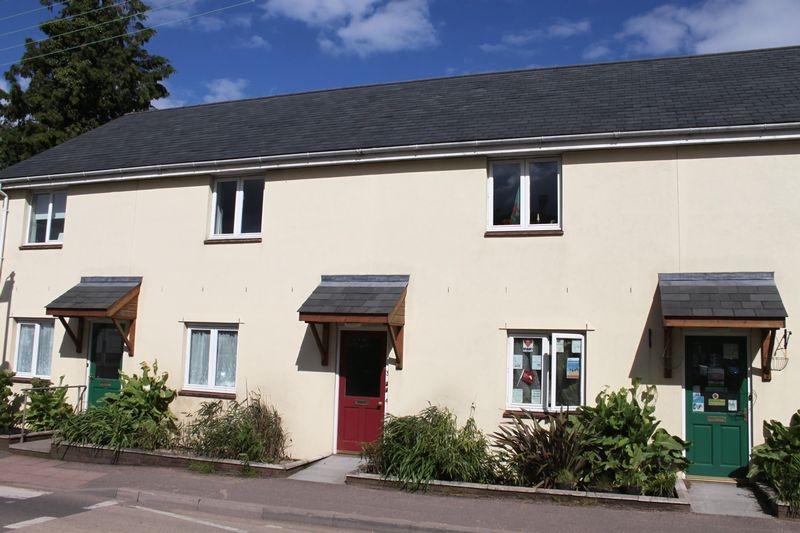2 bedroom Upper Floor Flat flat for rent in Crediton