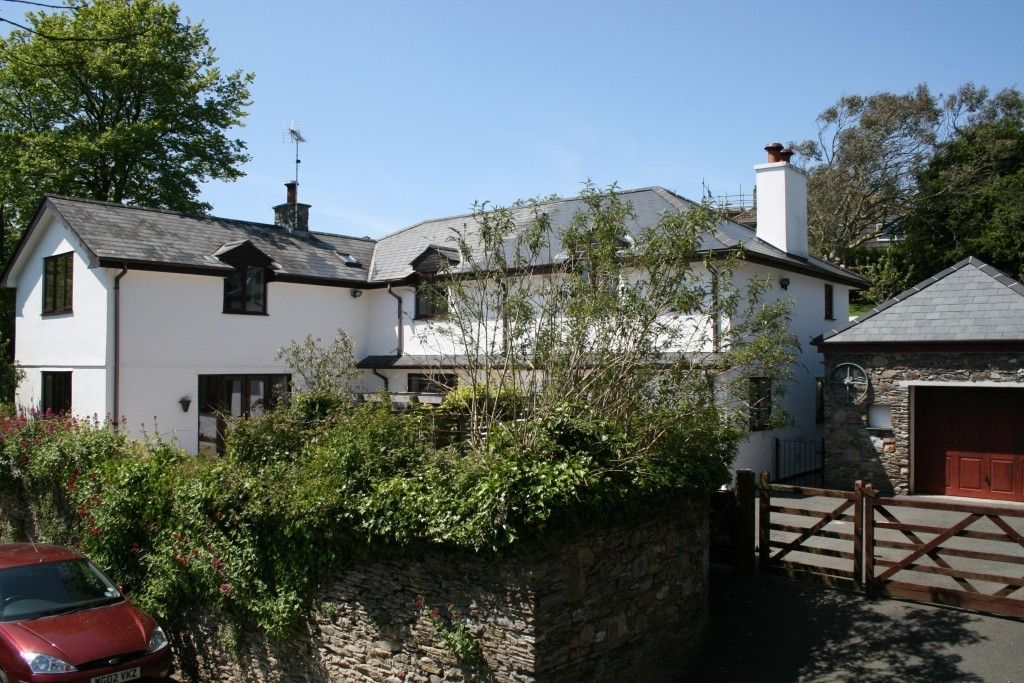 6 bedroom detached house for rent in Kingsbridge