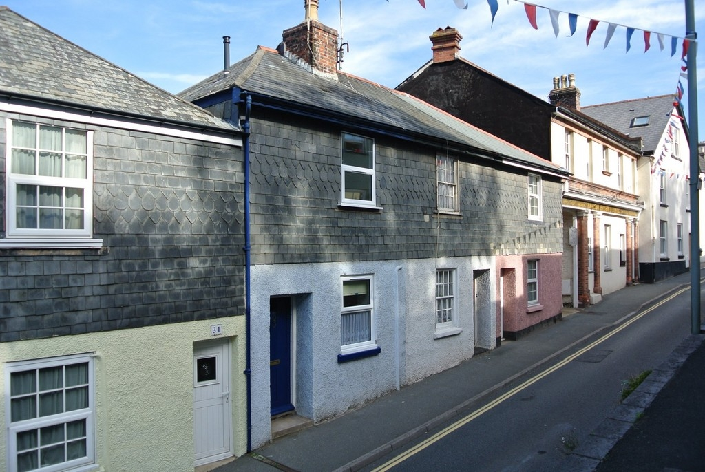 2 bedroom terraced house for rent in Kingsbridge