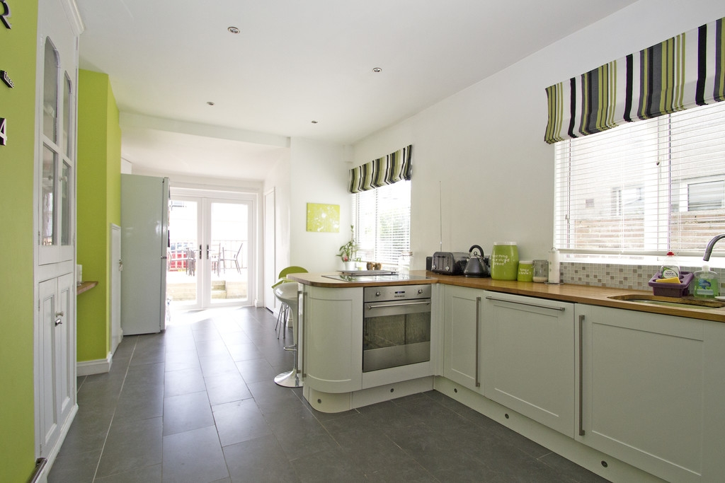 4 bedroom terraced house for sale in Plymouth