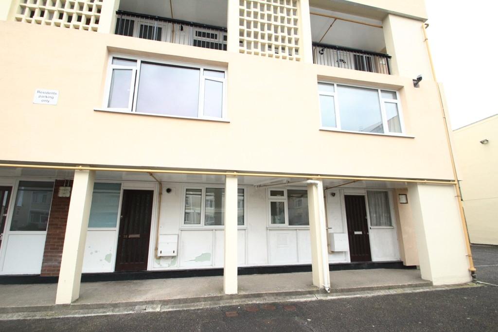 3 bedroom maisonette flat for rent