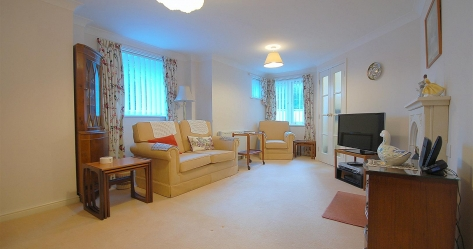 Plymouth Property: 2 bedroom flat - retirement for sale